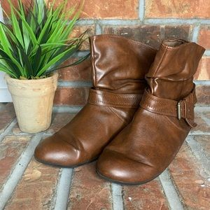 Cute brown slouch boots